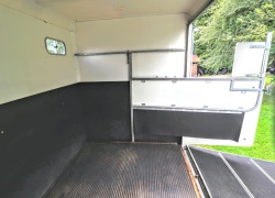 Equi-Trek Space Treka For Sale horse area with open partition