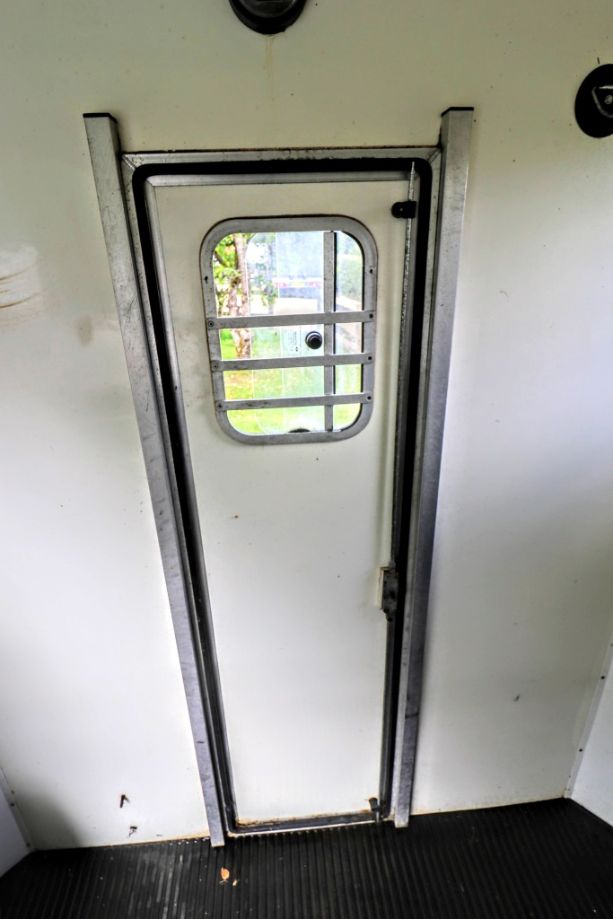 Equi-Trek Space Treka For Sale closed rear door