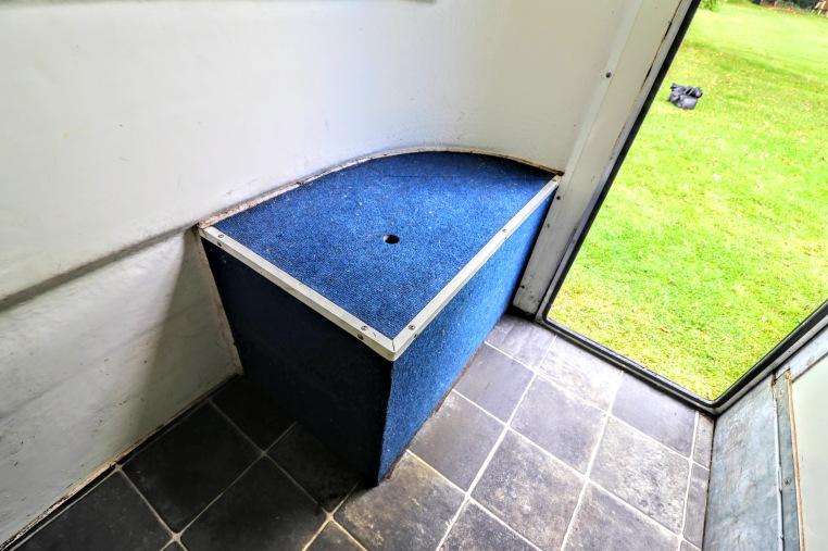 Equi-Trek Space Treka For Sale grooms area seating