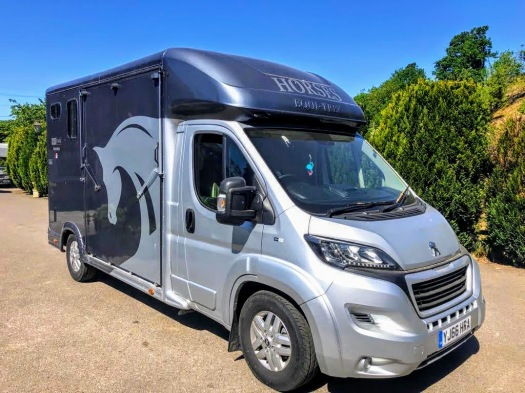 Used Equi-Trek 4,005 kgs Tonne Two Stall Horsebox For Sale (1)