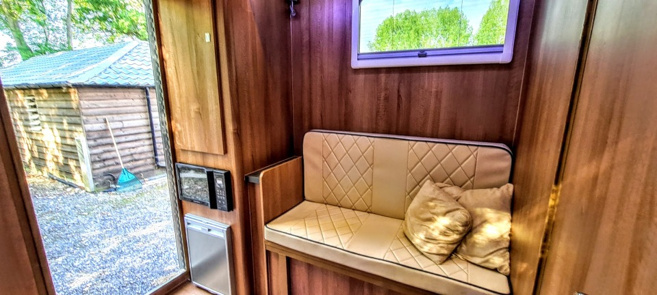 The Equihunter 45 4.5 Tonne Two Stall Horsebox With Luxury Living